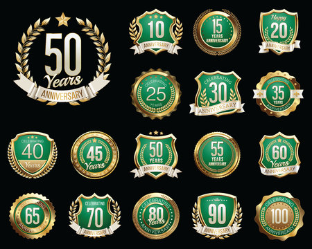 Set of Golden Anniversary Badges. Set of Golden Anniversary Signs. Ilustração