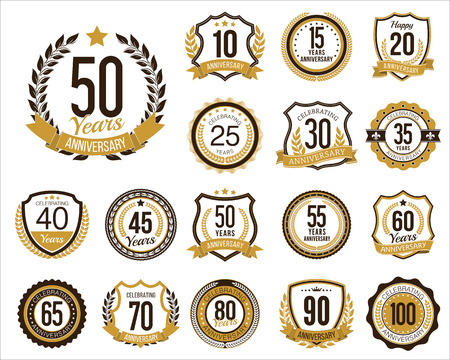 Set of Golden Anniversary Badges. Set of Golden Anniversary Signs. Vintage. Vettoriali