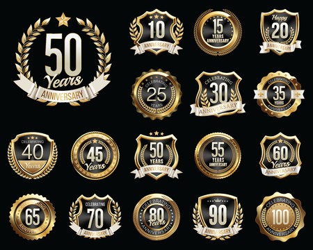 Set of Golden Anniversary Badges. Set of Golden Anniversary Signs. Vettoriali