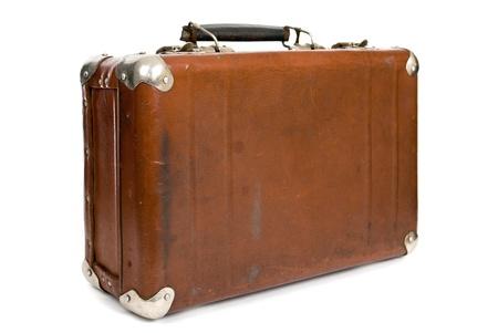 maletas de viaje: Vieja maleta aislado en un fondo blanco