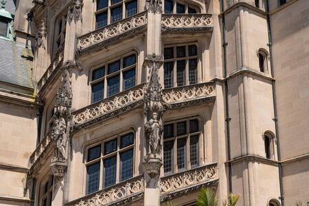 Asheville, North Carolina - July 24, 2019 - Sculptural and architectural details on the façade of the Biltmore Estate. Stockfoto