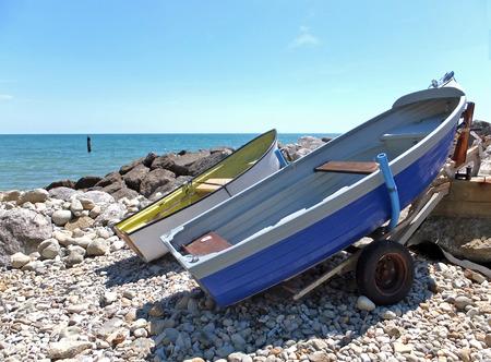 해변의 보트 스톡 콘텐츠