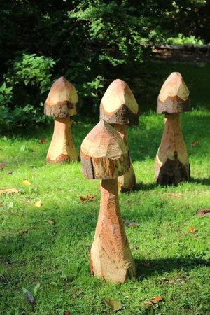 Mottisfont Abbey, Hampshire, England. 2nd October 2019. Wooden mushroom sculptures in the Mottisfont Abbey gardens. Редакционное