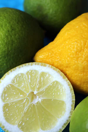 close up of lemons and limes Standard-Bild