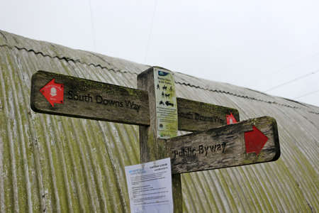 East Meon, Hampshire, England. 6th August 2020. A signpost along the South Downs Way trail Редакционное