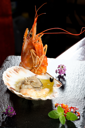 king salmon: Grilled Seafood, scallop au gratin and kings prawn with spices