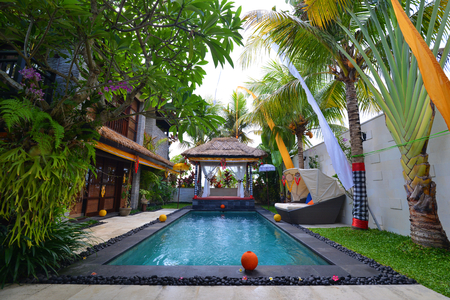 rubdown: Modern tropical Villa with swimming pool and celebration decoration  Stock Photo