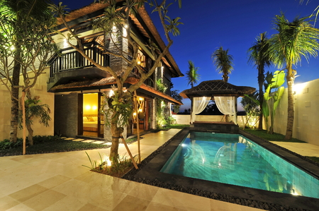 tourist resort: Modern tropical villa with swimming pool in nature  Stock Photo