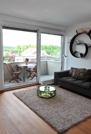 Beautiful new peaceful, modern home Imagens