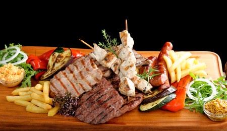 rump steak: Mixed grilled meat platter