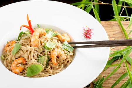 yakisoba: Shrimp Yakisoba, noodles with prawn, traditional chinese plate Stock Photo