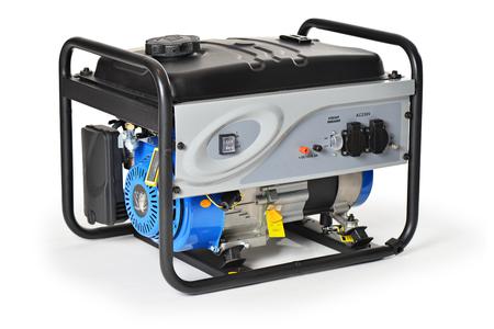 Benzine aangedreven, tien pk, nood-elektrische generator geïsoleerd op witte achtergrond.