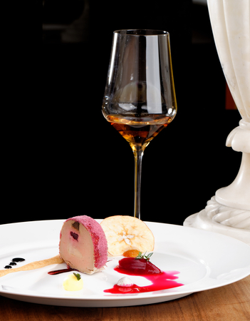 gr: Fine dining, Goose Foie gras with black garlic and raspberry jelly