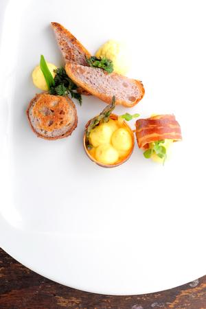Gourmet Abendessen, Gourmet-Küche Schinken Ei Brot Standard-Bild - 37520648