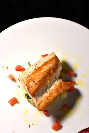 fish fillet: Tasty healthy fish fillet with potato and vegetables