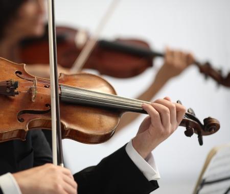 details van de muzikanten om een symfonie te spelen
