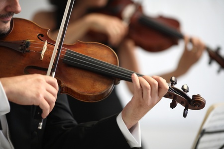 teatro antico: dettagli di musicisti a suonare una sinfonia Archivio Fotografico