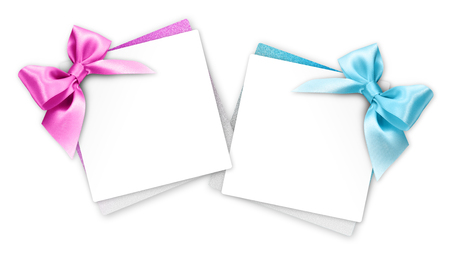 gift cards with blue and pink ribbon bow Isolated on white background. Banque d'images