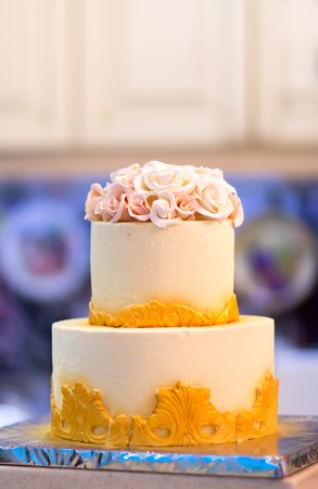 bunk: Festive wedding cake with flowers, yellow-orange flowers, bunk, beautiful