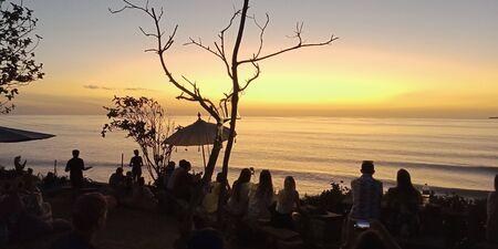 orange beautiful sunset view clouds with dramatic light on paradise tropical sea island 版權商用圖片