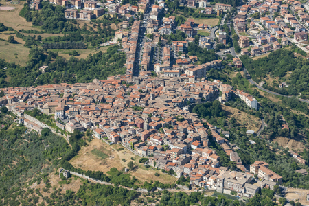 Aerial image of the city centre of Segni in Lazio region, Italy Stok Fotoğraf - 112586631