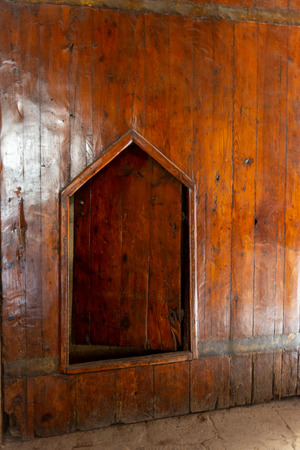 wooden door at Bayt Al-Suhaymi (House of Suhaymi) is an old Ottoman era house museum in islamic Cairo, Egypt. It was originally built in 1648 by Abdel Wahab el Tablawy along the Darb al-Asfar, a very prestigious and expensive part of Islamic Cairo. In 1 Editöryel