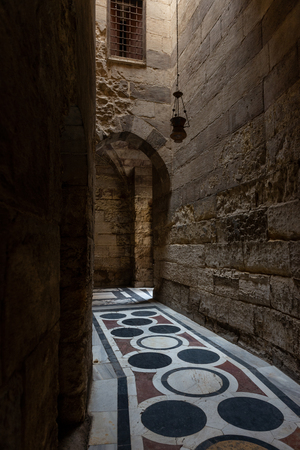 Entrance hall of the Qalawun complex (Arabic: مجمع قلاون), a massive complex in islamic Cairo, Egypt that includes a madrasa, a hospital and a mausoleum. It was built by the Sultan Al-Nasir Muhammad Ibn Qalawun in the 1280s; some thirty surviv Stok Fotoğraf - 119635490