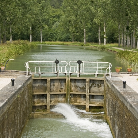 bourgogne: Canal lock, Canal Bourgogne. French waterway. France Stock Photo