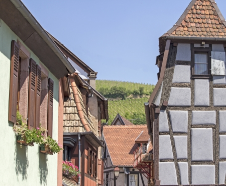 haut: Alsace village, half-timbered house  France
