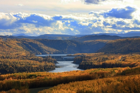 Peace River Valley dam in fall