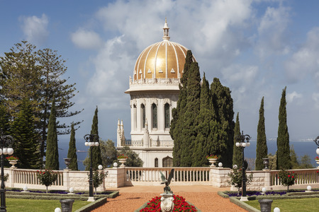 baha: Bahai gardens and temple on the slopes of the Carmel Mountain, Haifa, Israel.