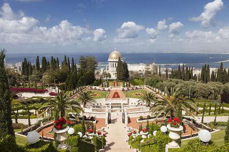 Top view of the Bahai Garden and Haifa, Israel Standard-Bild