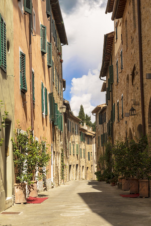 san quirico d'orcia: Street in the town of San Quirico dorcia, Tuscany, Italy