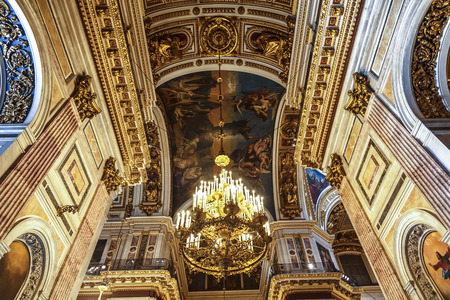 plafond: Interior of St. Isaacs Cathedral