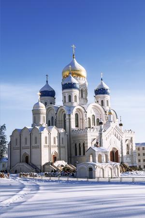 orthodoxy: Nikolo-Ugreshsky monastery, Spaso-Preobrazhensky Cathedral in winter, Moscow region, Russia