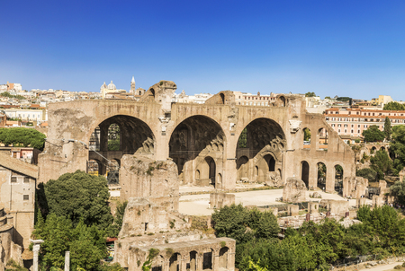 The ruins of the Roman forum with the Basilica of Maxentius and Constantine, Rome, Italy 스톡 콘텐츠