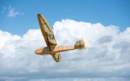 gliding competitions among the vintage aircraft of wood and plywood