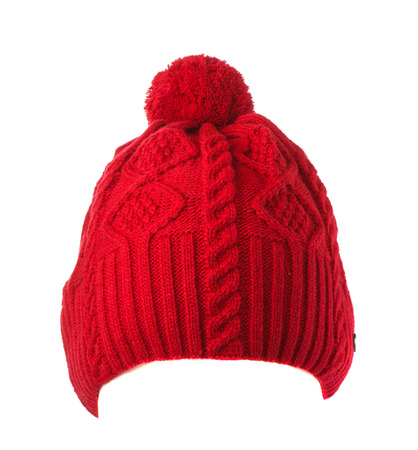 sombrero: sombrero hecho punto rojo con pompón aislado sobre fondo blanco.