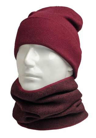 red hat and scarf isolated on white background.knitted set of hats and scarf.winter accessories front side view Banque d'images - 129862261