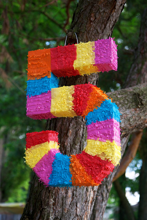 pinata: Pinata as numbers of five for child birth