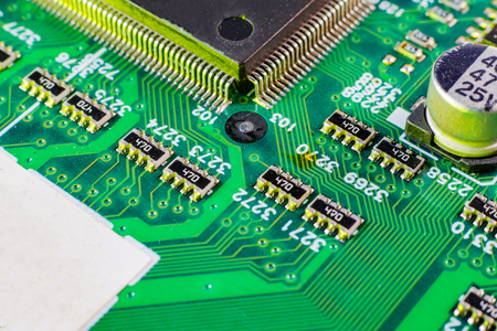Elektroniczne elementy płytowe, cyfrowy układ scalony płyty głównej. Tech nauki tło. Zintegrowany procesor komunikacyjny.