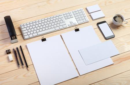 Plantilla para la identidad de la marca. Para los diseñadores gráficos y presentaciones carteras.