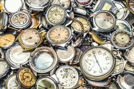 orologi antichi: consistenza del vecchio orologio, un sacco di vecchio orologio Archivio Fotografico