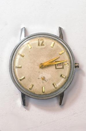 wristwatch: old wristwatch