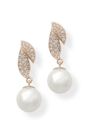 gold earrings with pearls isolated on white Stock Photo