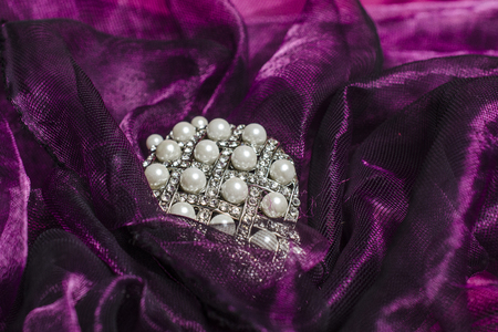 sumptuousness: pearls on the tulle