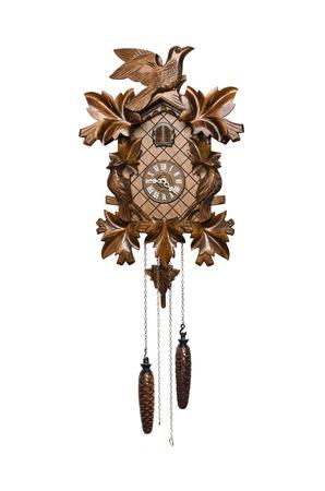 reloj cucu: reloj de cuco de madera aislado en blanco Foto de archivo