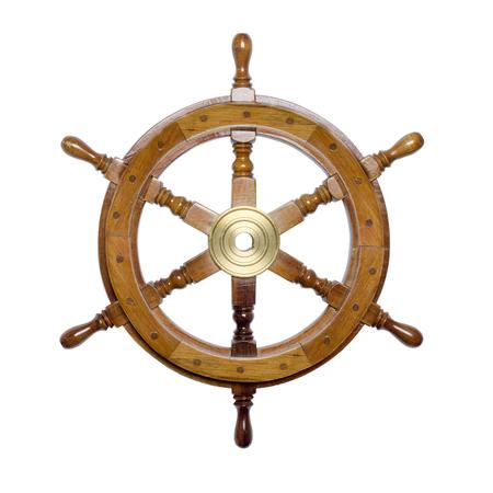 timon de barco: volante de la nave aislado en blanco