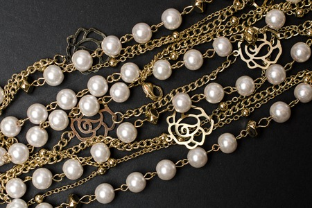 jumbled: texture of beads and chains