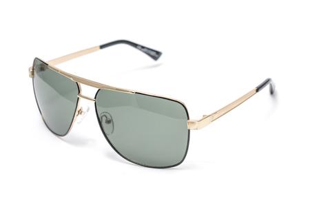 Herren-Sonnenbrille im Metallrahmen isoliert auf weiß Standard-Bild - 80238994